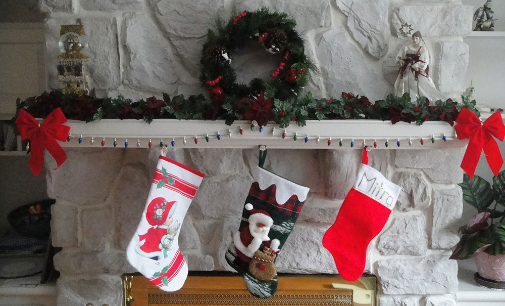 Stocking Stuffers & Gifts Under $10